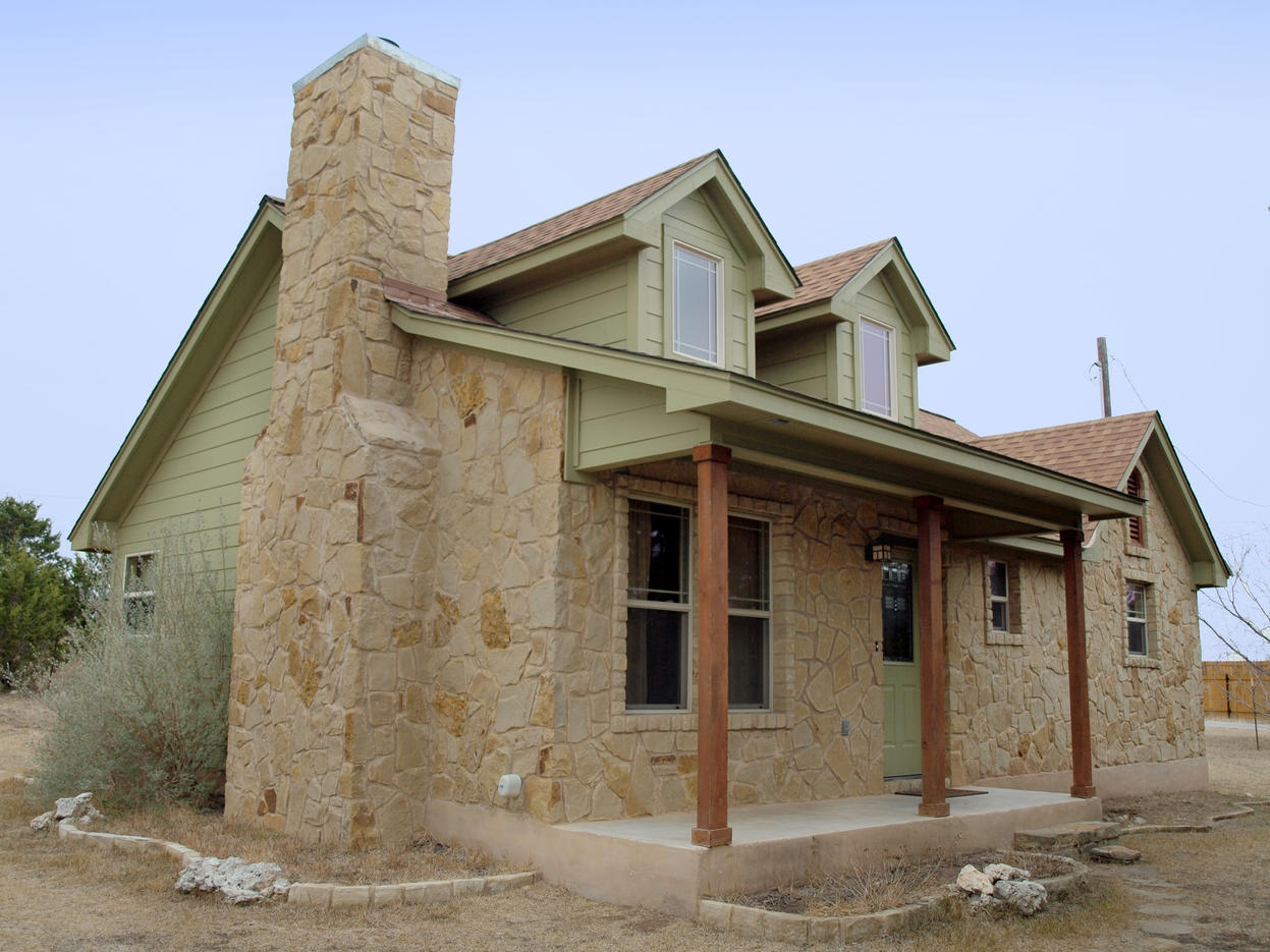 Spicewood hill country craftsman home showcase aubrey for Country craftsman